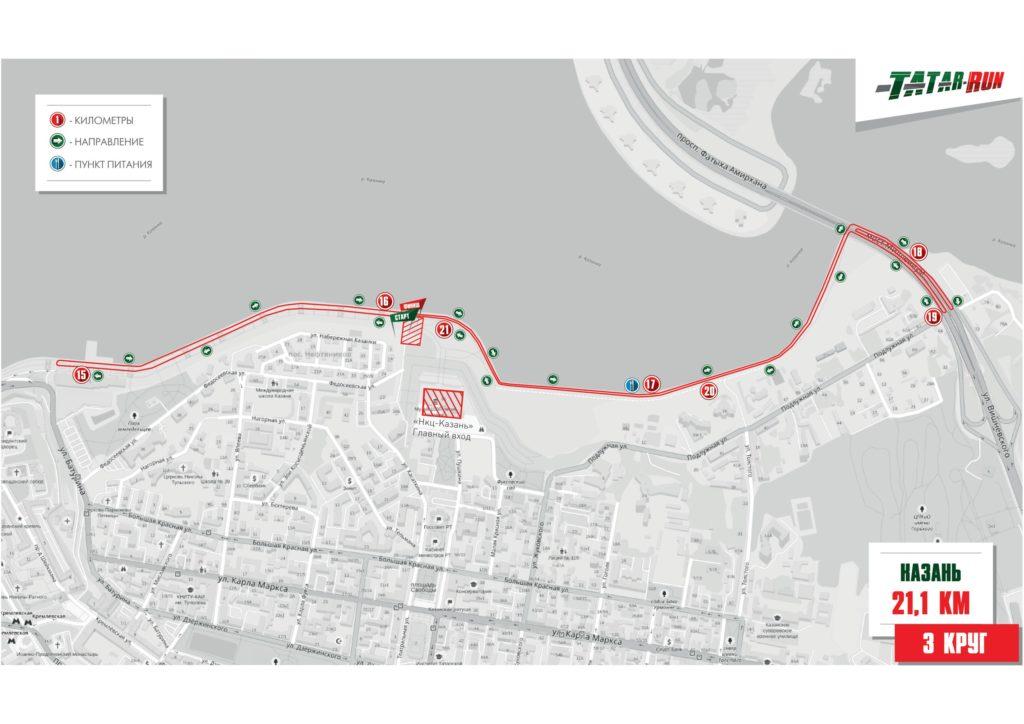 Трасса полумарафона проходит тремя кругами по набережной.