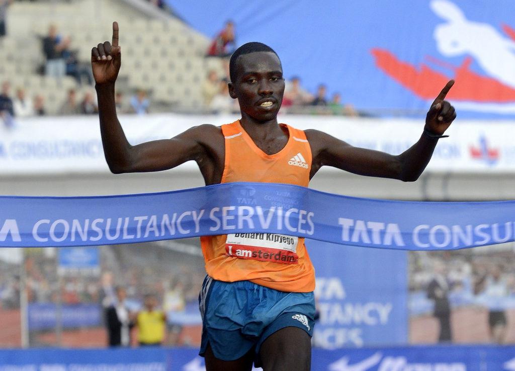 Bernard Kipyego из Кении выиграл последних два Амстердамских марафона и будет на старте и в этом году.