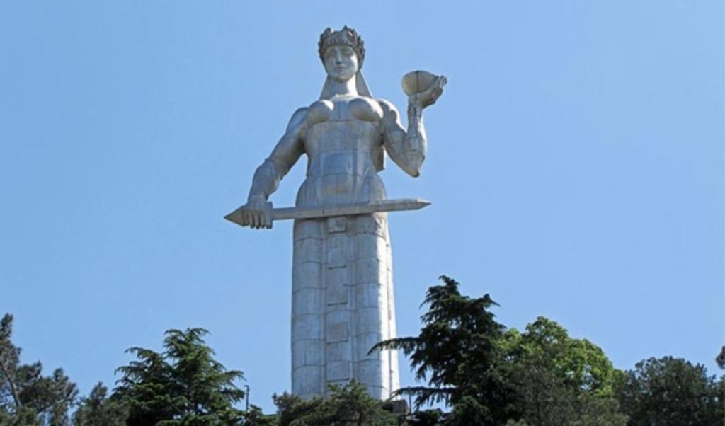 Памятник Мать Грузия