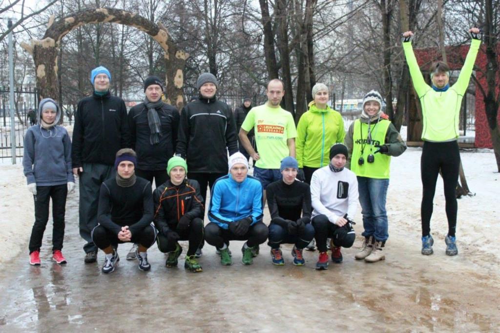 Бегуны и директор тестового «паркрана номер 0» Северное Тушино Елена Никитина, февраль 2014