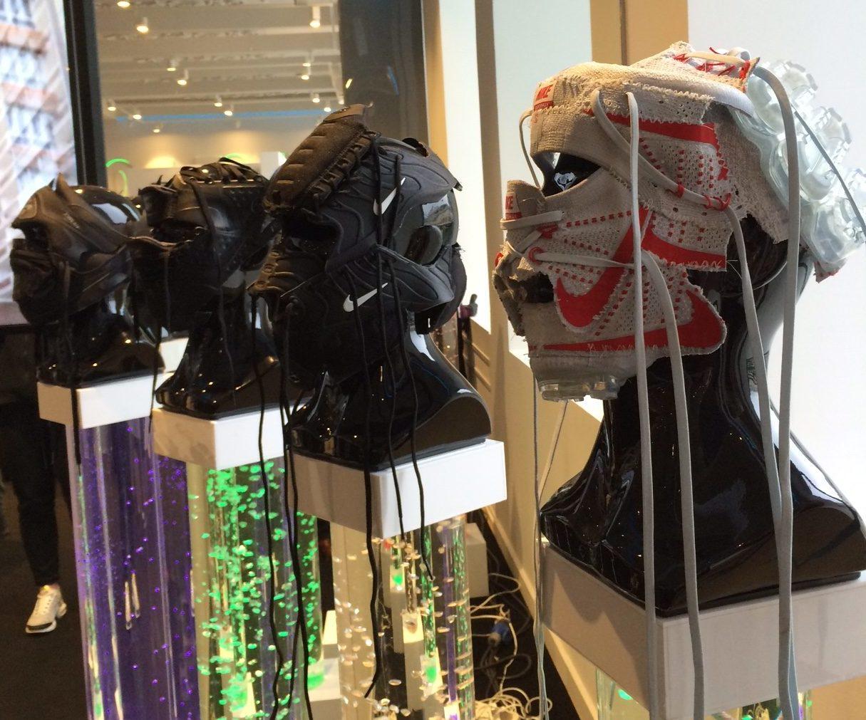 aab8524f Итак, что же предлагает Nike покупателям? На первом уровне товары для детей  (весьма скромный ассортимент, заметим в скобках), экипировка для футбола.