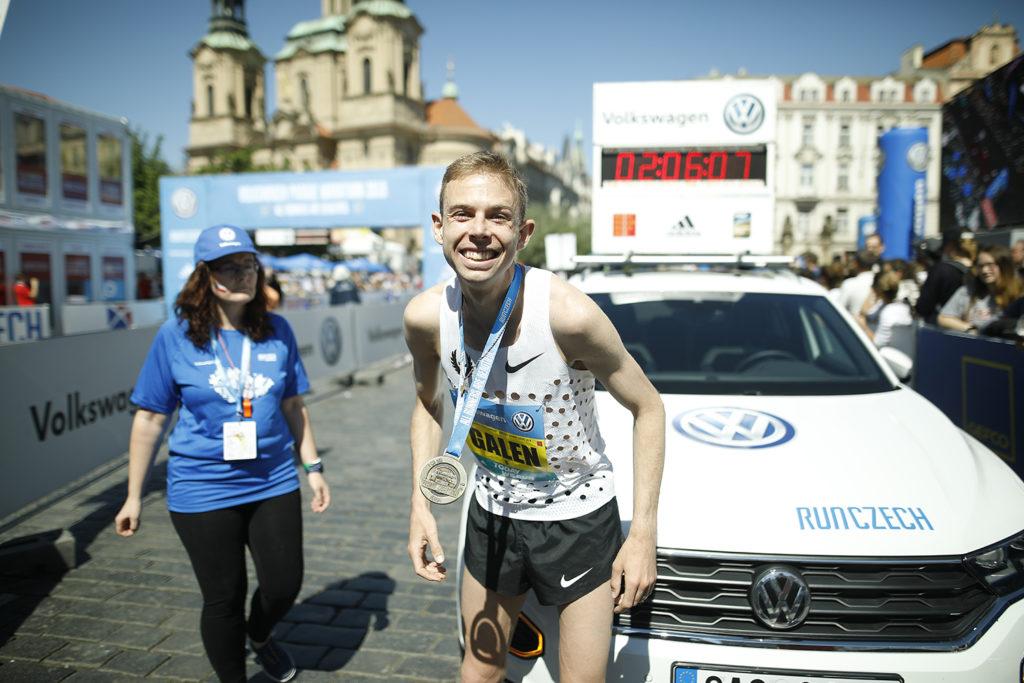 Победитель Prague marathon 2018 Galen Rupp, США