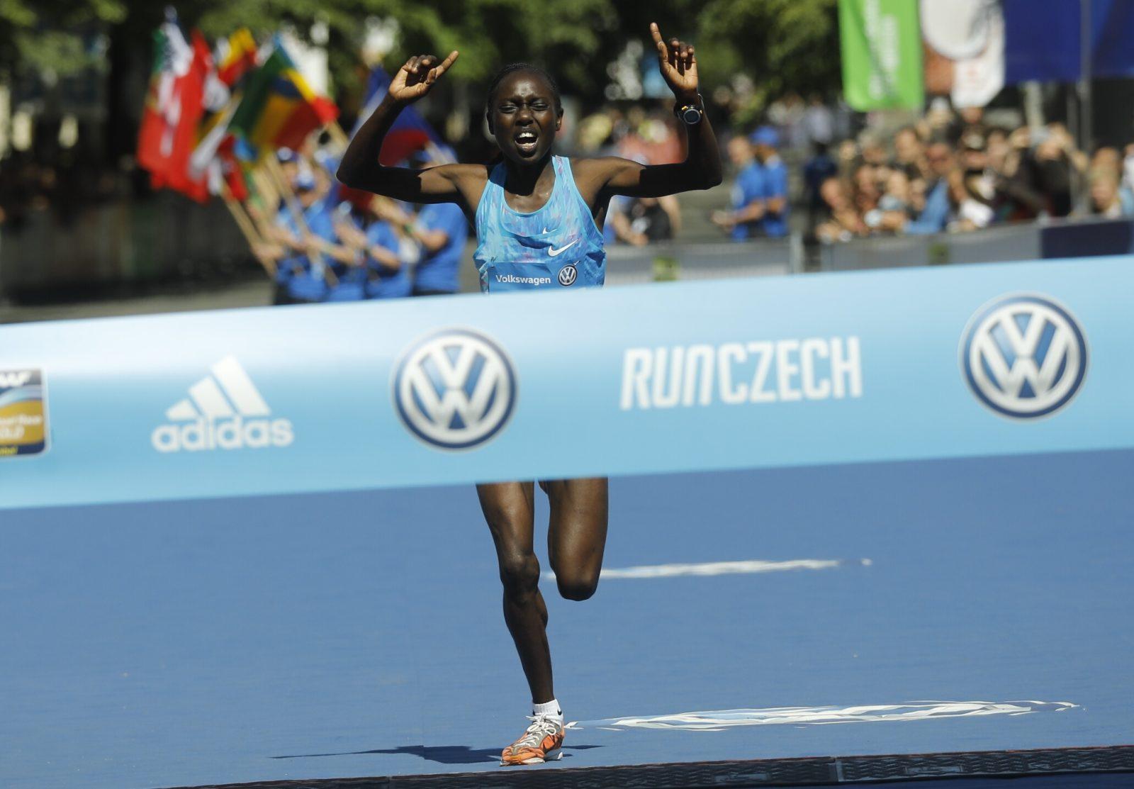 Prague marathon 2018 BORNES JEPKIRUI KITUR | KEN